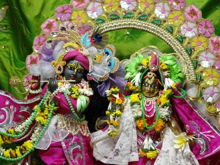 ISKCON Nigdi Deity Darshan 19 Dec 2015 (13)