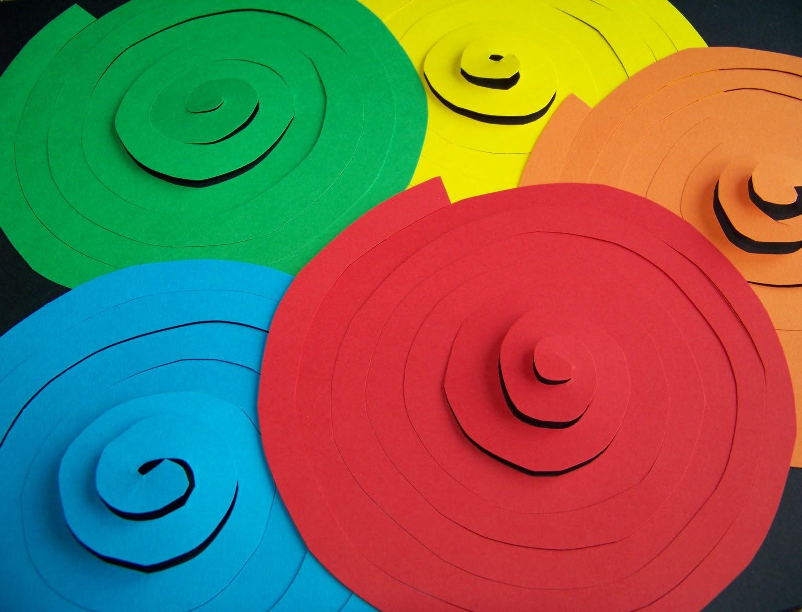 Mamma giochiamo addobbi di carnevale spirali e for Addobbi di carnevale per l aula