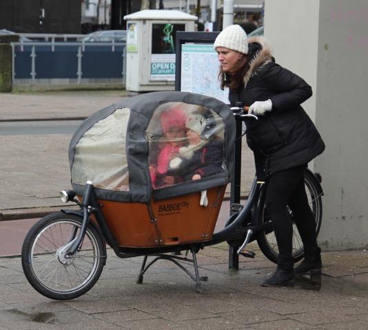 Good on you Mum; Winter transport, Rotterdam