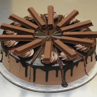 Kit Kat Chocolate Cake.