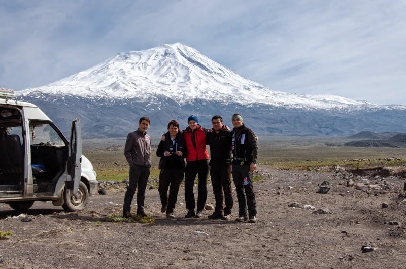 Varful Ararat ne asteapta