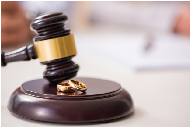 Divorce lawyers - Roles and responsibilities