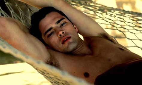 Sean O'Pry, desnudo