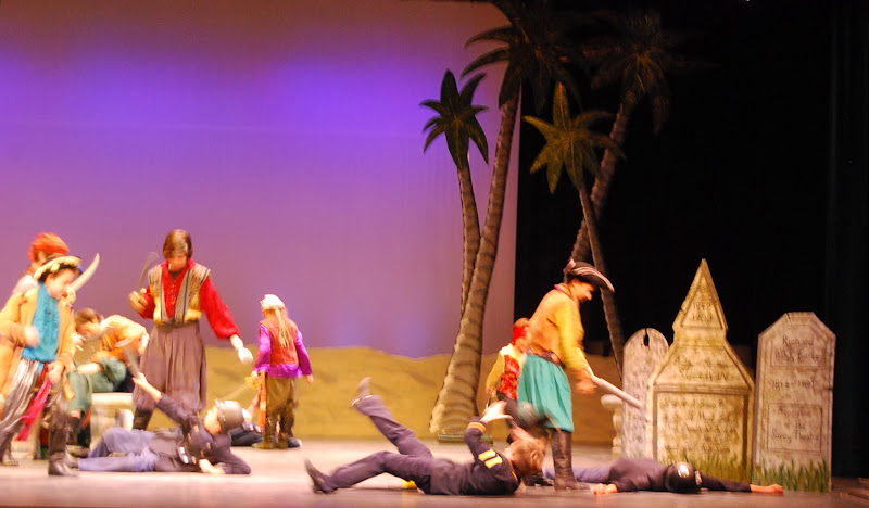 2012PiratesofPenzance - DSC_5963.JPG