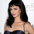 krysten-ritter-long-tousled-black-hairstyle-bangs.jpg