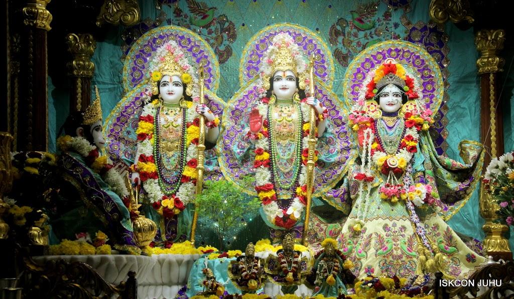 ISKCON Juhu Sringar Deity Darshan on 24th July 2016 (20)