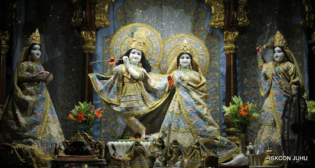 ISKCON Juhu Mangal Deity Darshan on 29th May 2016 (18)