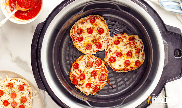 english muffin pizza in the air fryer basket