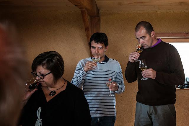 Assemblage des chardonnay milésime 2012. guimbelot.com - 2013%2B09%2B07%2BGuimbelot%2Bd%25C3%25A9gustation%2Bd%25E2%2580%2599assemblage%2Bdu%2Bchardonay%2B2012%2B113.jpg