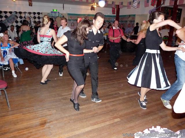 15 jaar dance to the 60's rock and roll dansschool voor danslessen, dansdemonstraties en workshops (454).JPG