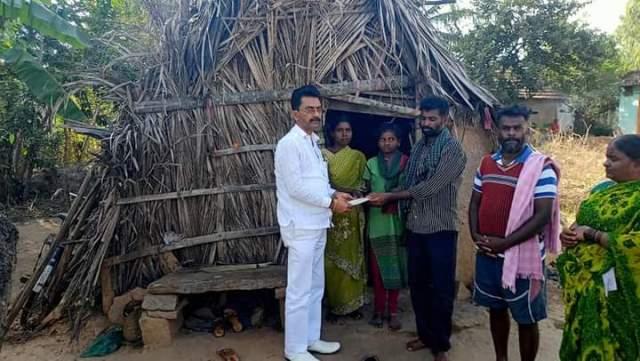 2 children adopted educationally by Ravindra Shetty | ಅಲೆಮಾರಿ ಮಕ್ಕಳ ದತ್ತು: ಅಲೆಮಾರಿ, ಅರೆಅಲೆಮಾರಿ ಅಭಿವೃದ್ಧಿ ನಿಗಮದ ಅಧ್ಯಕ್ಷ ರವೀಂದ್ರ ಶೆಟ್ಟಿ ಉಳಿದೊಟ್ಟು