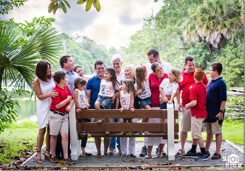 Extended-Family-Photo-Session-Hugh-Taylor-Birch-State-Park-FL-Photographer--6