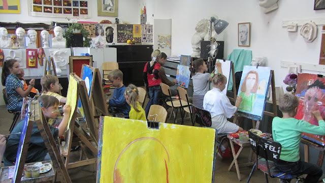 Подготовка до конкурсу дитячого малюнку «Світ без насильства очима дітей» - 30 ноября 2012г. - %25D1%2584%25D0%25BE%25D1%2582%25D0%25BE%2B%25D0%25BA%25D0%25B8%25D0%25B5%25D0%25B2%2B207.JPG