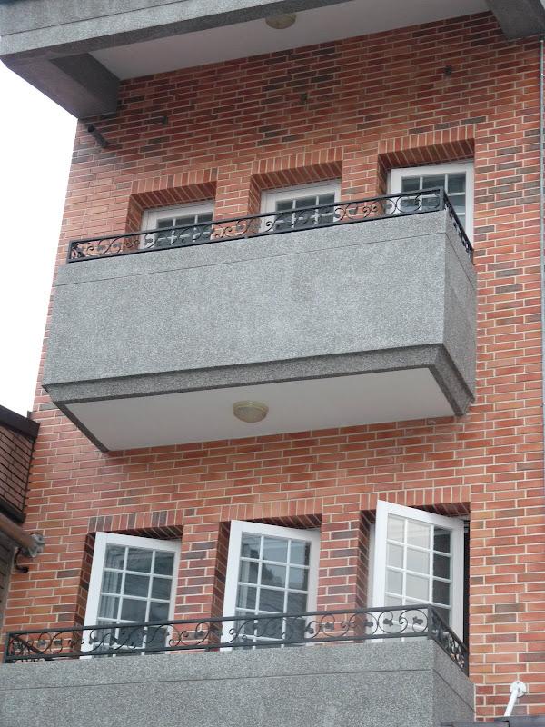 fenêtres articulées sur un axe