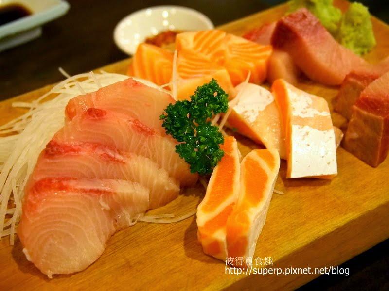 花壽司 $200 (外頭裹著燙過的高麗菜,裡面也有許多 ...