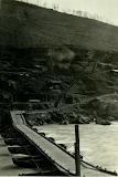 Ponte di barche a Plava e baraccamenti alle basi di quota 383