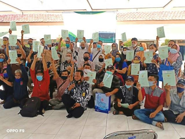 Alhamdulillah, Sertifikat Tanah Program PTSL Warga Dukuh Pakis Mulai di Bagikan