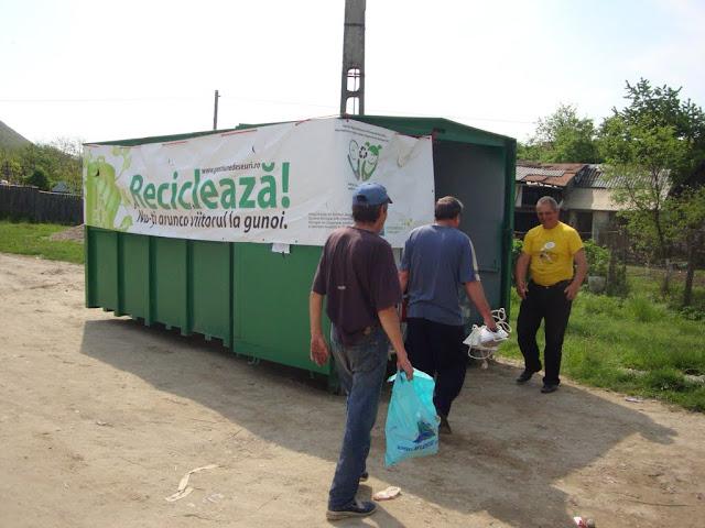 Prima campanie de colectare a deseurilor periculoase si a DEEEurilor - mai 2011 - DSC09647.JPG