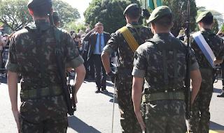 Bolsonaro cita possibilidade de novas trocas de comando
