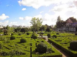 Jardin au Palais des marquis de Fronteira à Lisbonne
