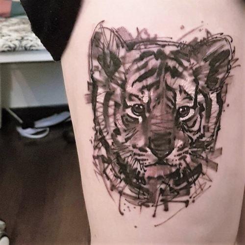 este_bonito_pouco_de_tigre_de_tatuagem