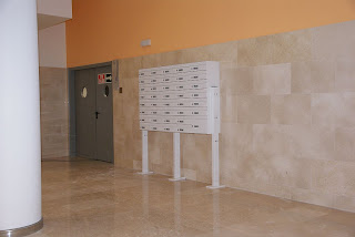 Bank of Arregui's Milenio mailboxes H4501
