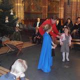 Kindje wiegen St. Agathakerk 2013 - PC251129.JPG