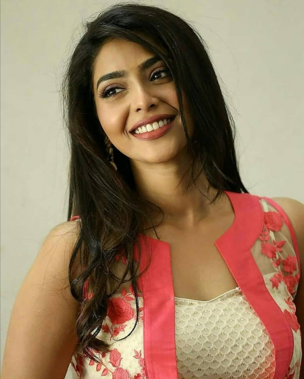 Aishwarya lekshmi  IMAGES, GIF, ANIMATED GIF, WALLPAPER, STICKER FOR WHATSAPP & FACEBOOK