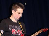 19 Vigyinszki Máté gitáros.JPG