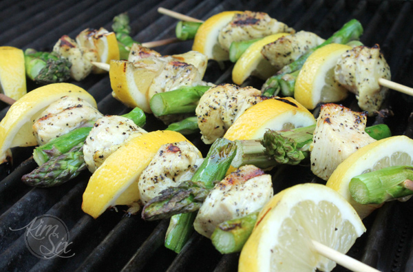 Lemon chicken shish kabobs on the grill