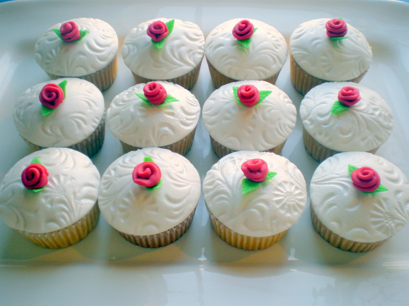 how to make fondant icing for cupcakes