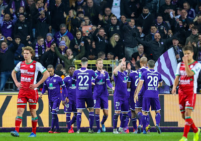 """""""In health we trust"""": Anderlecht commercialise ses masques"""