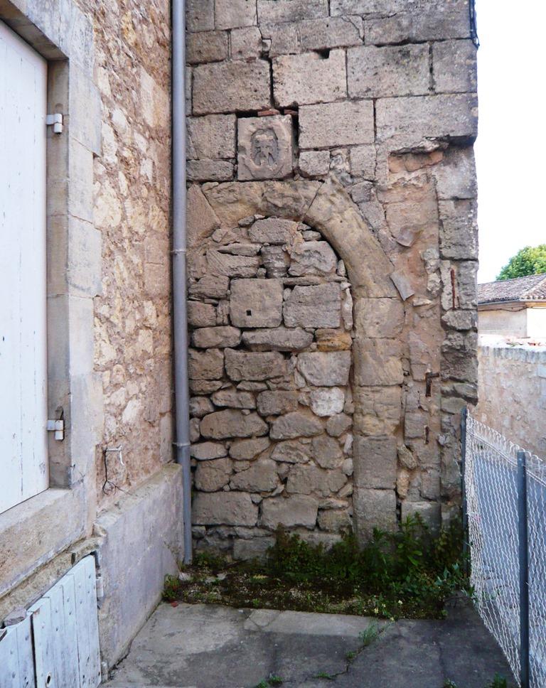 [St+Emilion+doors+and+windows8%5B4%5D]