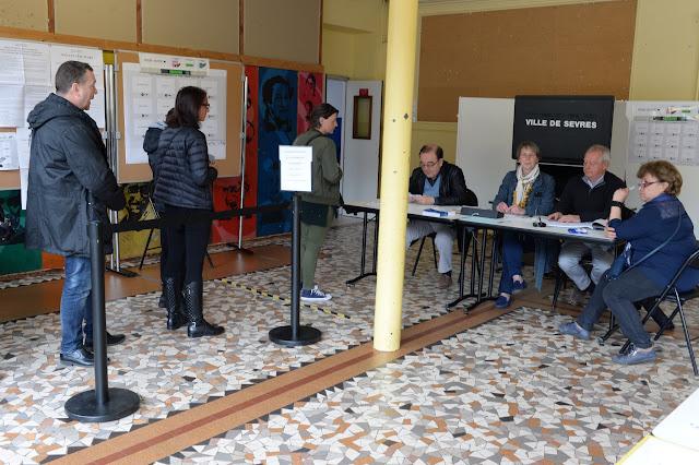Mairie de Sèvres - 1er tour des élections présidentielles