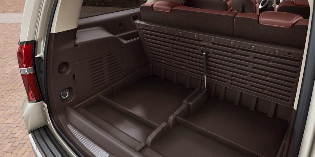 2015-Chevrolet-Suburban-Storage-006