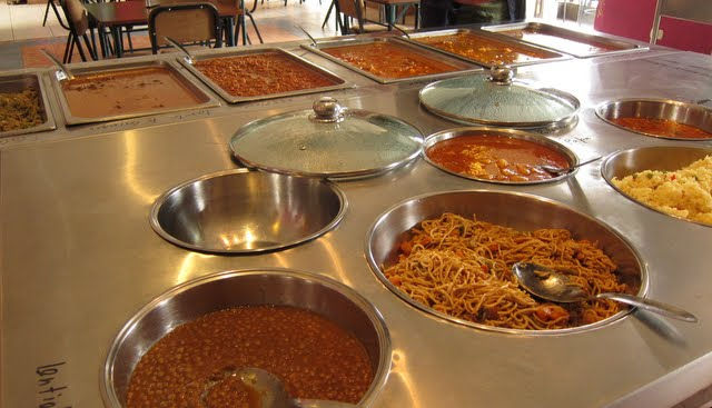 The buffet at Maikhani