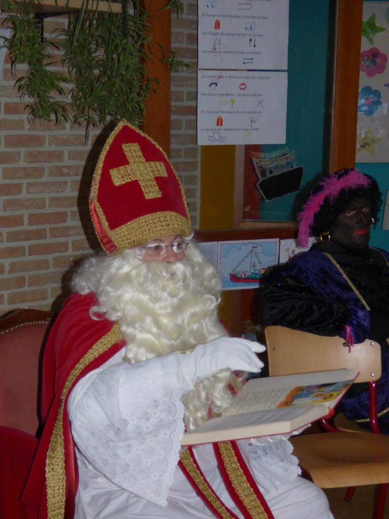 Sinterklaas op bezoek - P1060533.JPG