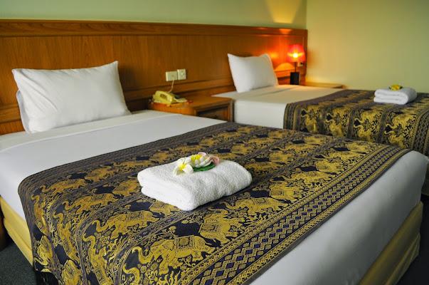 Pathumthai Place Hotel (โรงแรมปทุมธานีเพลส)