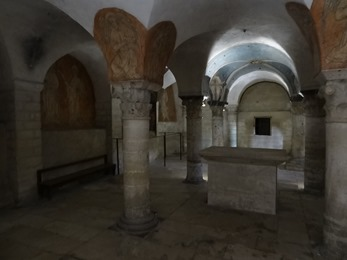 2017.06.10-066 la crypte de la cathédrale