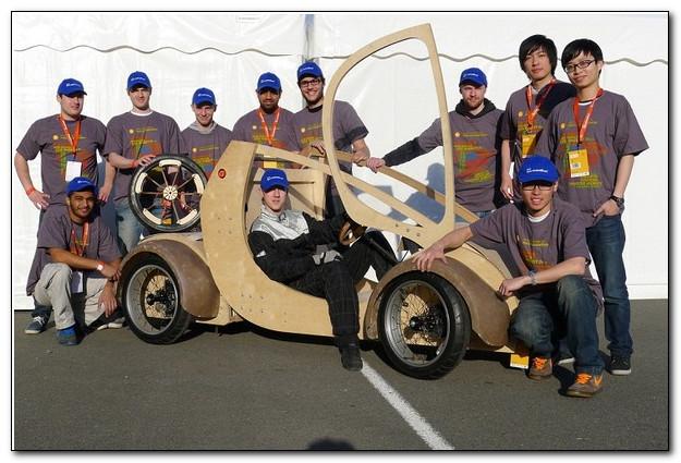 Студентам удалось создать автомобиль из картона и фанеры, да ещё и на водородном топливе