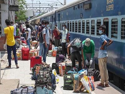 रेलवे ने बड़ा ऐलान किया है. रेलवे ने यात्रियों के 30 जून तक बुक किए सारे टिकट कैंसिल