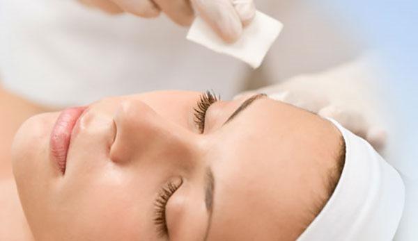 عيادات الأمراض الجلدية والليزر بمستشفى الياسمين بالمعادي