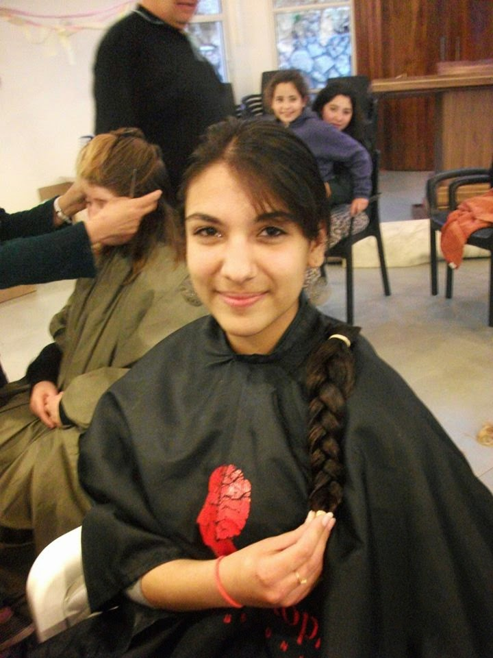 Donating hair for cancer patients 2014  - 1621841_539677909481840_2090135367_n.jpg