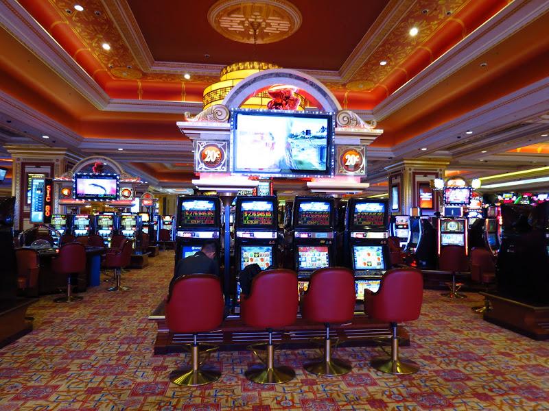 Кто охраняет казино азия игровые автоматы арестованны