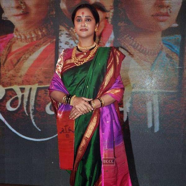 Mrinal Kulkarni gets clicked during the press meet of Marathi movie 'Rama Madhav', held at Dadar on July 28, 2014. (Pic: Viral Bhayani)