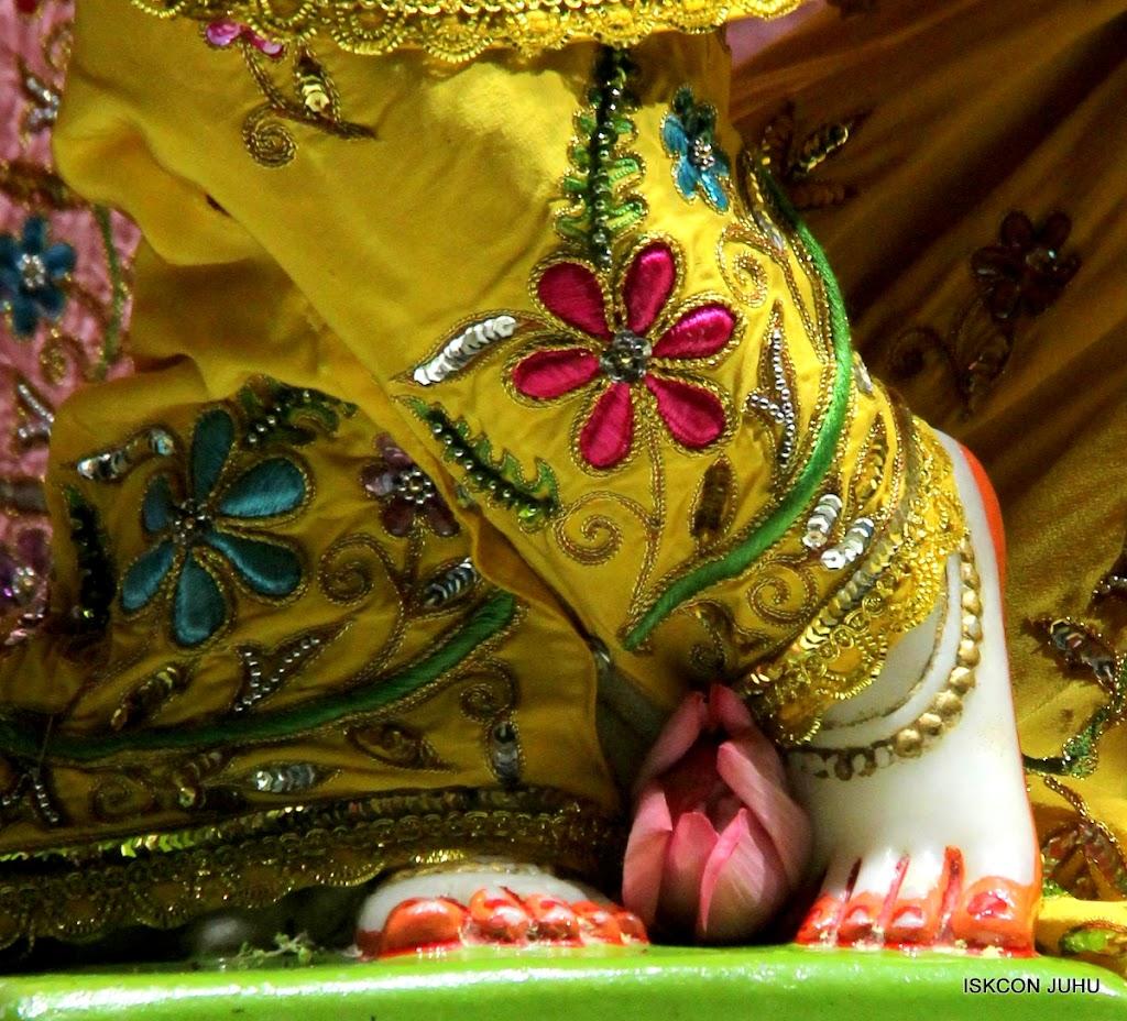 ISKCON Juhu Mangal Deity Darshan on 27 April 2016 (28)
