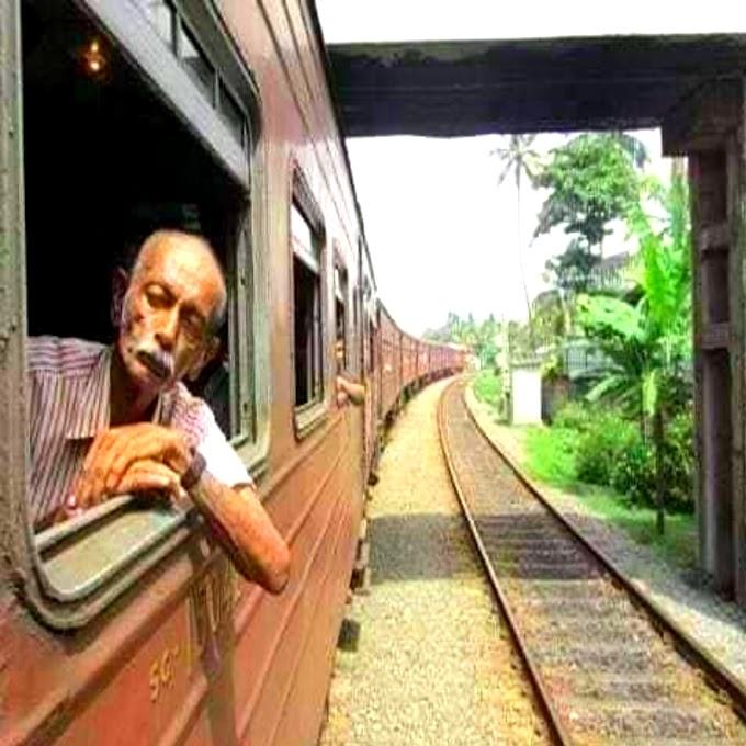 Vridh Vyakti Ka Train Yatra