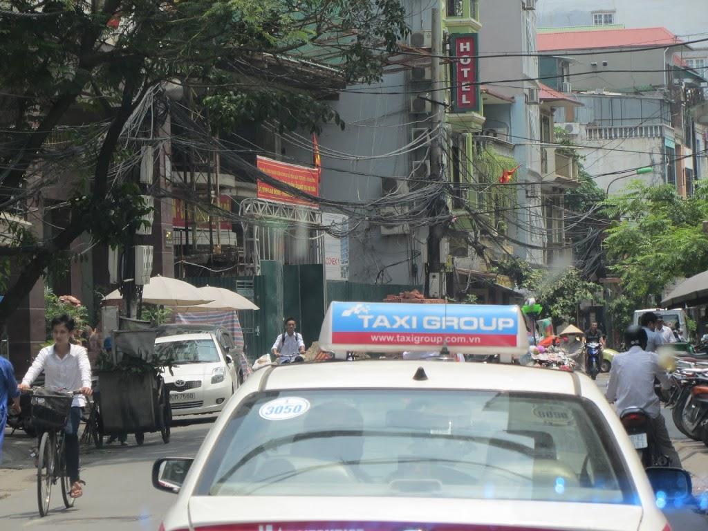0085The_Streets_of_Hanoi