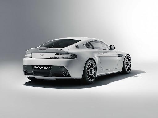 Aston_Martin_Vantage_GT4_2011_05_1024x768