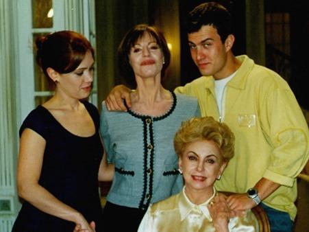 Ariclê Perez e amigos de elenco Anjo Mau